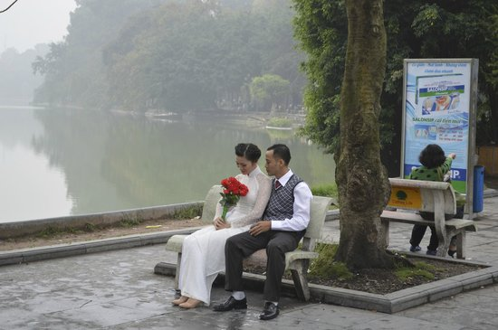 Hanoi Legacy Hotel - Hang Bac: just by the lake