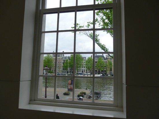 Hermitage Amsterdam : AMSTELHOF VIEW AMSTEL-RIVER