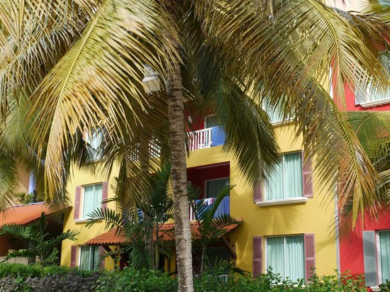 Tropical Princess Beach Resort & Spa: Vue du bar près de la piscine