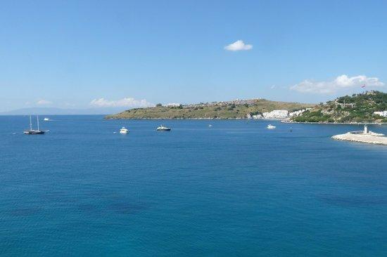 Castle of St. Peter : Uitzicht op zee