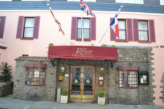 The Revere Hotel : facade de l'hôtel