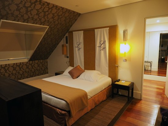 Heritage Avenida Liberdade: Spacious room (6th floor)