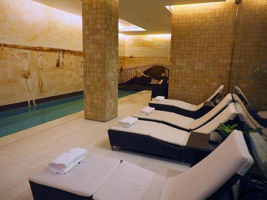 Heritage Avenida Liberdade : Downstairs pool