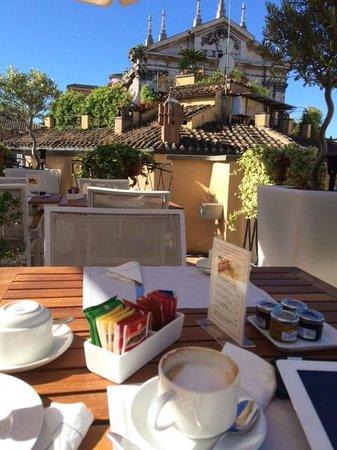 Albergo Cesari : The rooftop deck was great for breakfast or drinks.