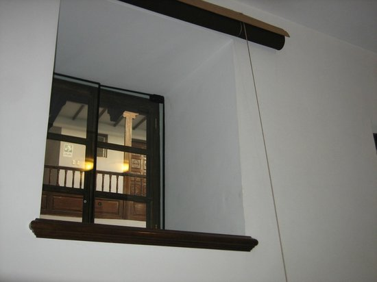 Andenes al Cielo : cute window to internal courtyard