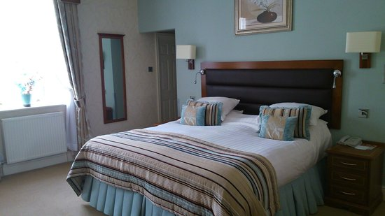 The George Hotel: superior room