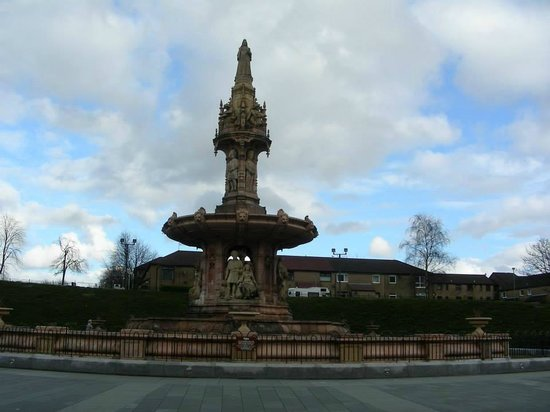 People's Palace and Winter Gardens : Doulton Fountain