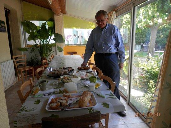 Chambres d'hote Chez Cecile : breakfast