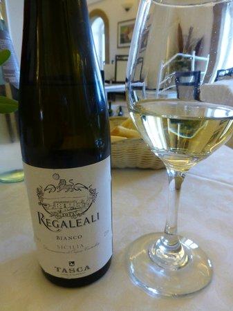 Lo Scoglio Ubriaco: Gute Auswahl an Weißweinen