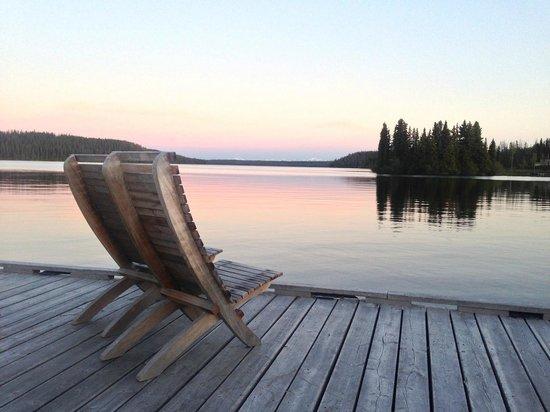 Nimpo Lake Resort: Blick vom Steg über den See. Ein Traum!!!