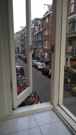 Acostar Hotel: vista dalla nostra finestra camera n° 108