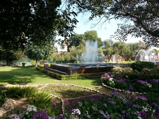 Fountain picture of mughal garden new delhi tripadvisor Mughal garden booking