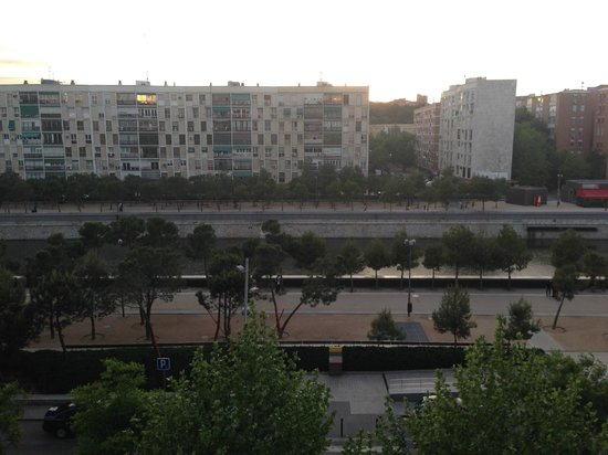 NH Madrid Ribera del Manzanares: View from the room: Madrid Rio.