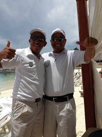 Hard Rock Hotel Riviera Maya: The best men on the beach, Luis & Esteban! Gracias!