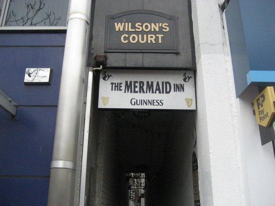 Mermaid BAR: Keep walking!!!!