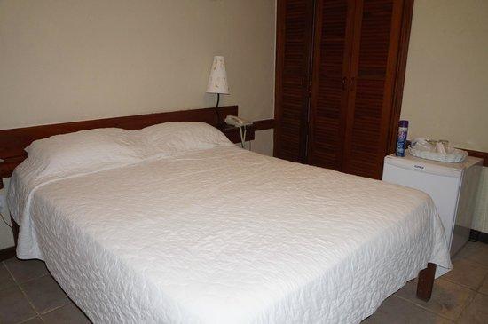Pousada Villegaignon: quarto, bom ar e armário
