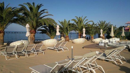 H10 Costa Adeje Palace: пляж
