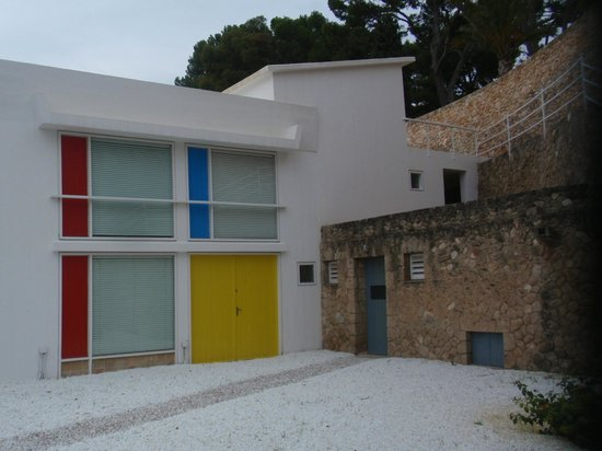Pilar and Joan Miro Foundation in Mallorca : Colores