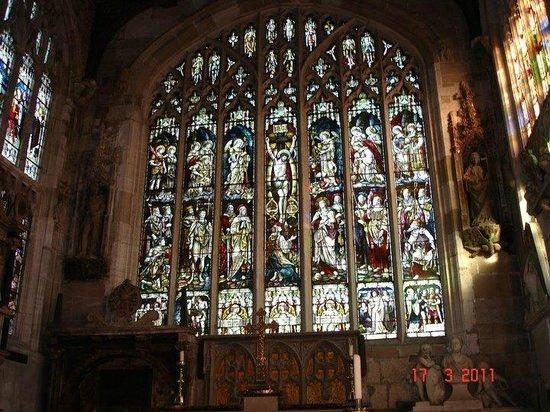 Holy Trinity Church: Inside Trinity Church