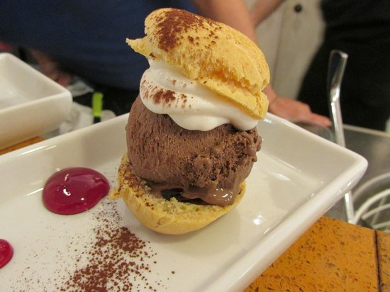 Grand Caffe Florio: Close up of this delicious treat