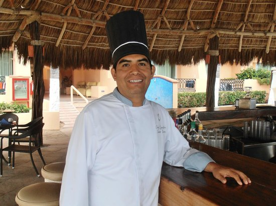 Crown Paradise Golden Resort Puerto Vallarta: Executive Chef Santos Sierra