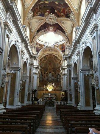 Basilica Collegiata, interno