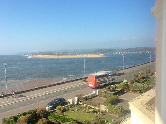 Bay Grand Hotel: Exmouth with view across the bay to Dawlish
