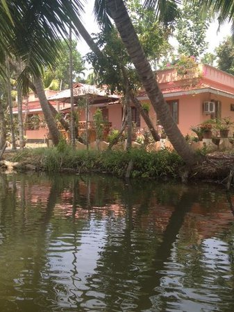 Kerala Backwaters: Beautiful House In One Of The Villages By The Back Waters