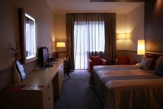 Mamaison Hotel Andrassy Budapest : Habitación-1