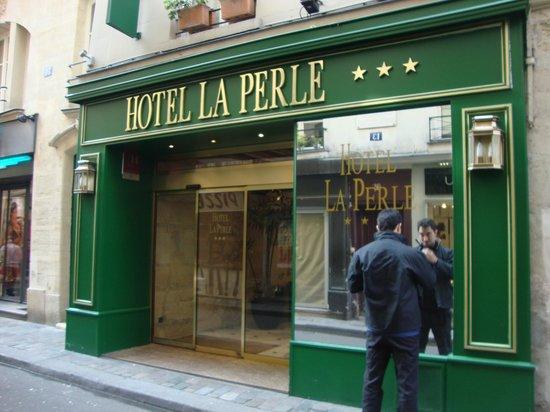 Hotel La Perle : Entrada do hotel