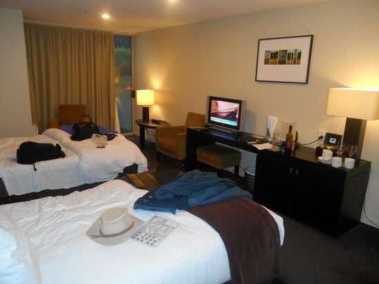 Scenic Suites Queenstown: Quality TV and nicely furnished