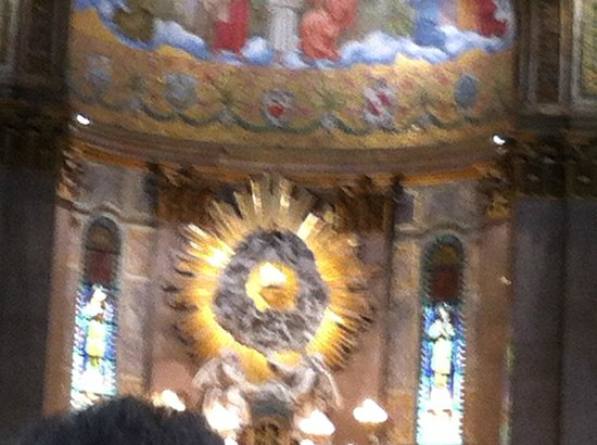 Basílica de Nossa Senhora de Nazare : Altar