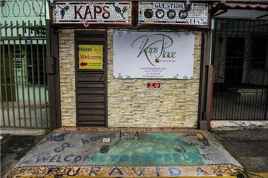 Kaps Place: OUR MAIN ENTRANCE DOOR