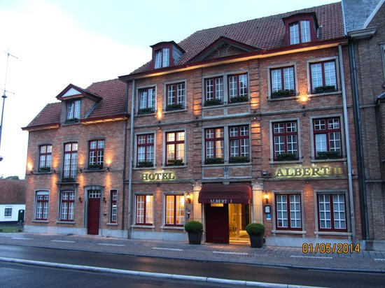 Albert 1 Hotel: The main frontage