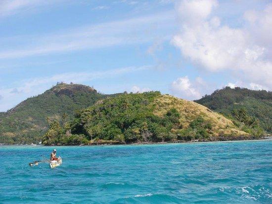 InterContinental Bora Bora Le Moana Resort : boat ride on the way to hotel