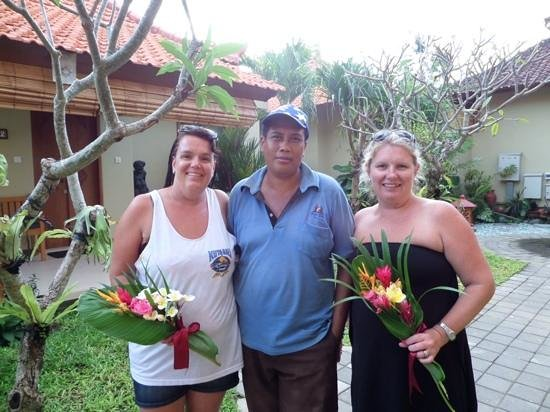 Kuta Puri Bungalows : ketut  great gardener
