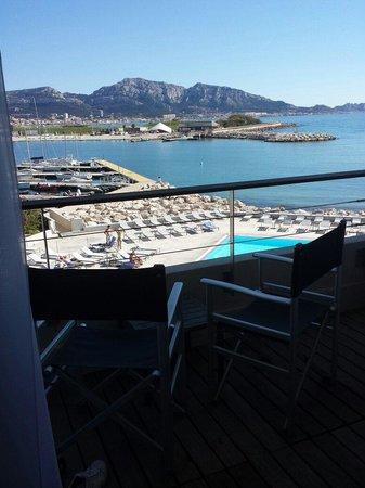 NH Marseille Palm Beach: Chambre double de luxe avec balcon vue mer