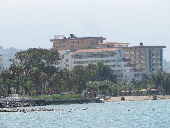 Batihan: Vue sur l'hôtel de la plage
