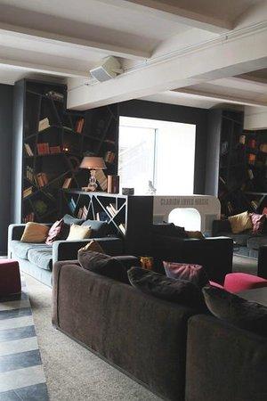 Clarion Hotel Post: Рецепшн
