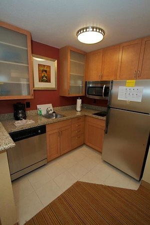 Residence Inn Bryan College Station: Fully Equipped Kitchens