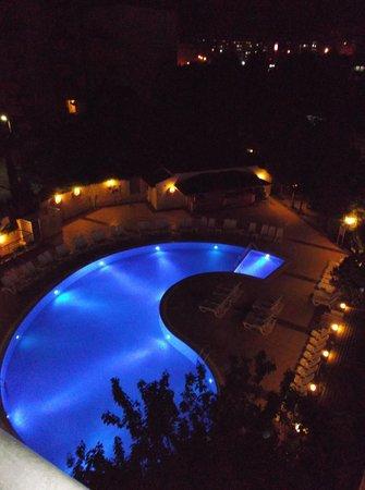 Marbel Hotel : Uitzicht vanuit onze kamer.