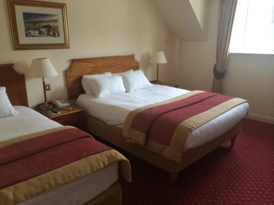 Galway Bay Hotel: Bed