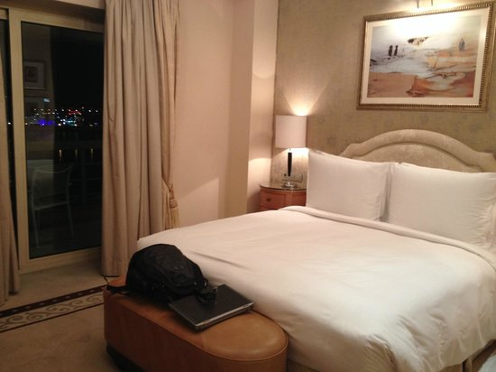 Kempinski Nile Hotel Cairo: Luxurious and comfortable bed