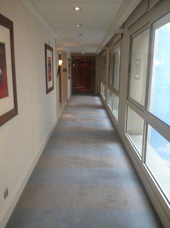 Kempinski Nile Hotel Cairo: Corridors