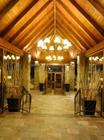 Hotel Mirador del Lago: Lobby.