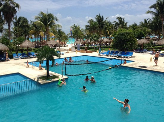 Viva Wyndham Azteca : Their one and only pool