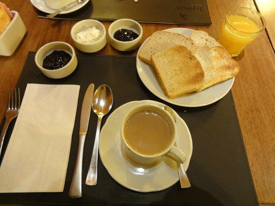 Hotel Mirador del Lago: Desayuno.