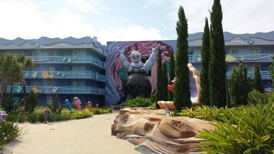 Disney's Art of Animation Resort: Decoração entre os blocos.