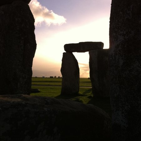 Salisbury & Stonehenge Guided Tours: Sundown...magic feeling!