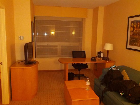 Renaissance Chicago O'Hare Suites Hotel: If you really needed to work...